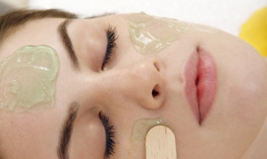 aha-therapy_facial-treatment